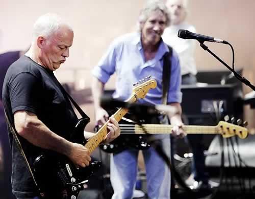 David Gilmour participará en uno de los conciertos de Roger Waters The Wall Live